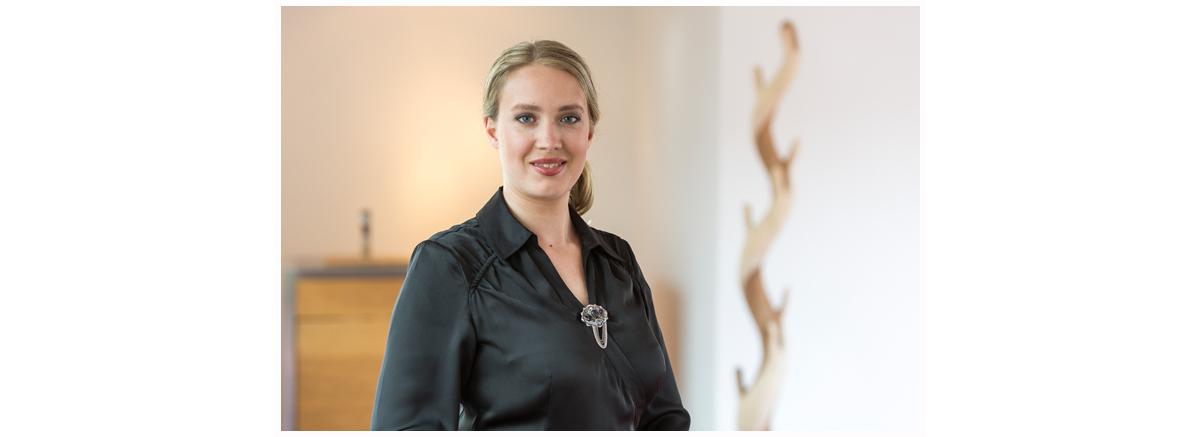 Portrait von Claudia Musch Inhaberin von Wohnwert Innenarchitektur