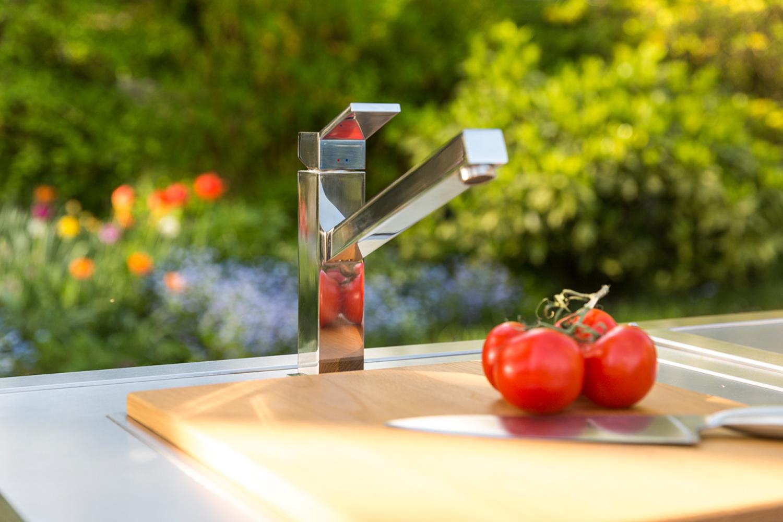 Armatur Blanco bei der mobilen Outdoor Küche Neoculina