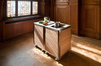 Die mobile Outdoor und Catering Küche neoculina von Wohnwert Innenarchitektur
